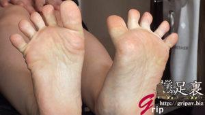 高感度ミニ足裏と足指で包み込む足コキ/素人OLのはるかちゃん